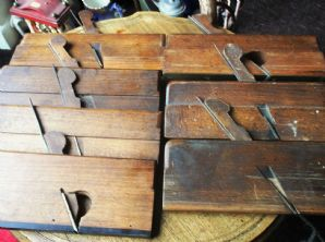7 X VINTAGE MOULDING PLANES VARIOUS SIZES 1 = 3CM 1 = GROOVED BUCK CLARKE NELSON